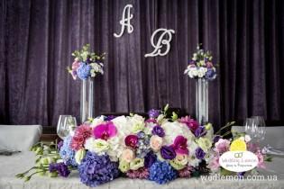 Живі квіти на весілля, обираємо за сезоном