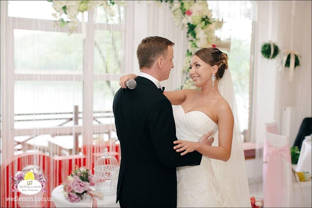 Ніжно-рожеве весілля