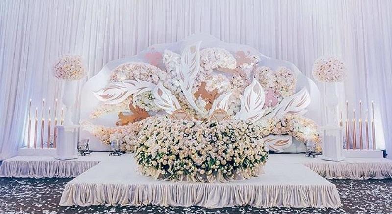 Весільне оформлення столу молодят