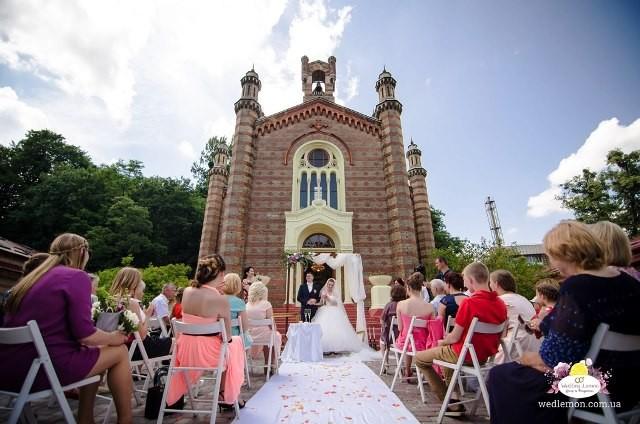 Організація виїзної церемонії шлюбу у Львові. Декор та оформлення