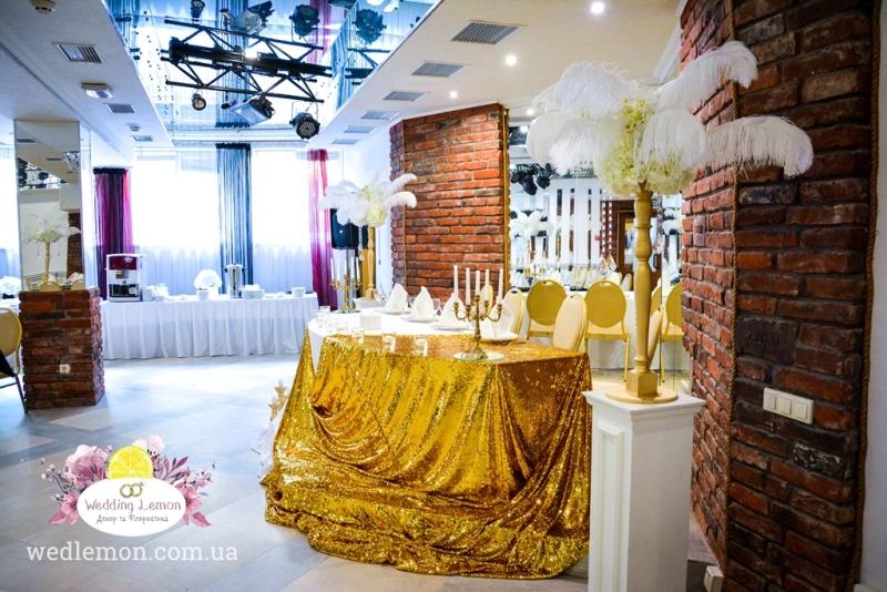 піря в декорі весілля