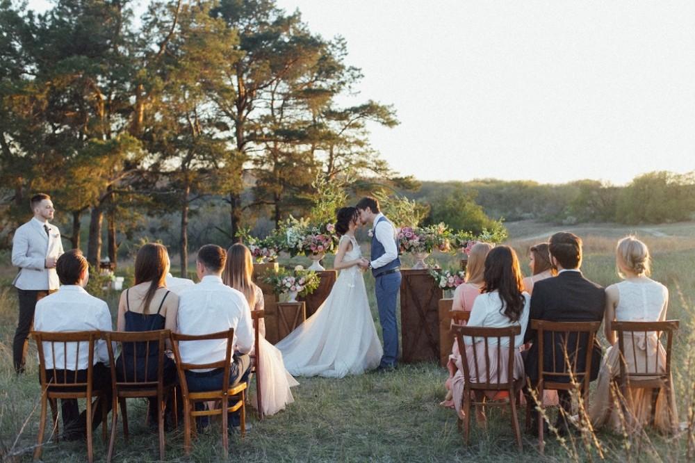 Весілля на природі, оформлення весільно ї церемонії, тренди на весілля