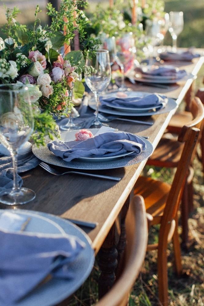 Оформлення столів гостей квітами
