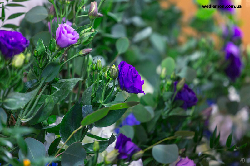 оформлення квітів на весілля