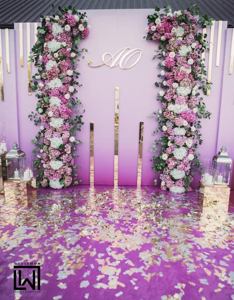 Квіткова фотозона на весілля, оренда фотозони