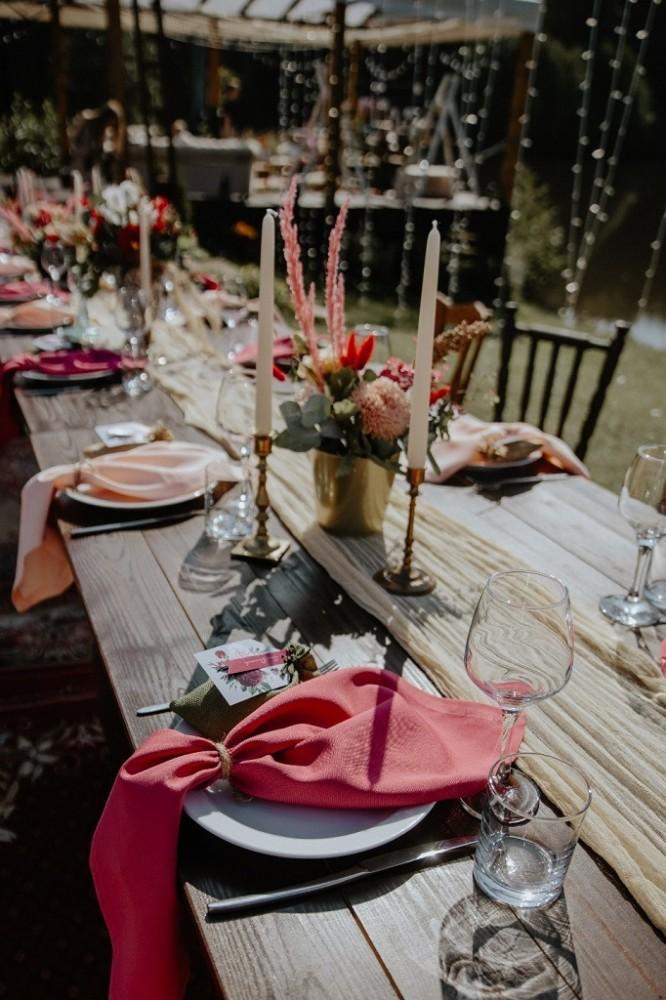бохо організація весілля у Львові, оформлення весільних столів на природі