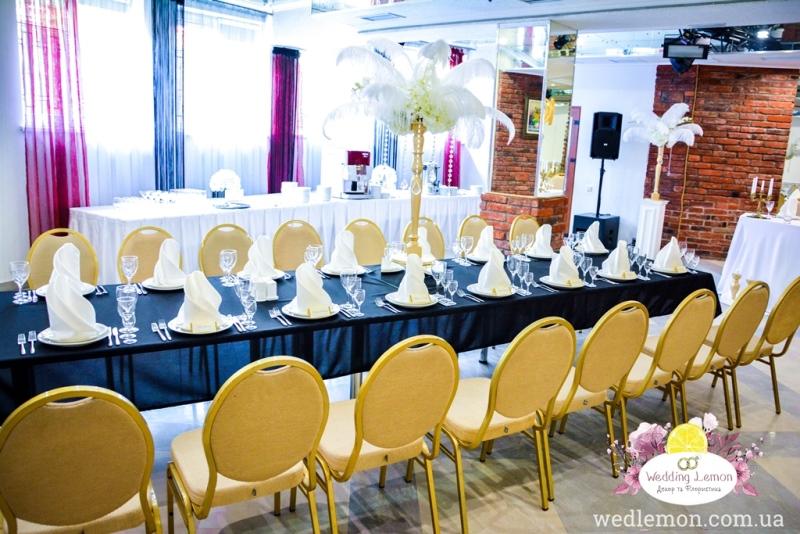 Декор залу весільного