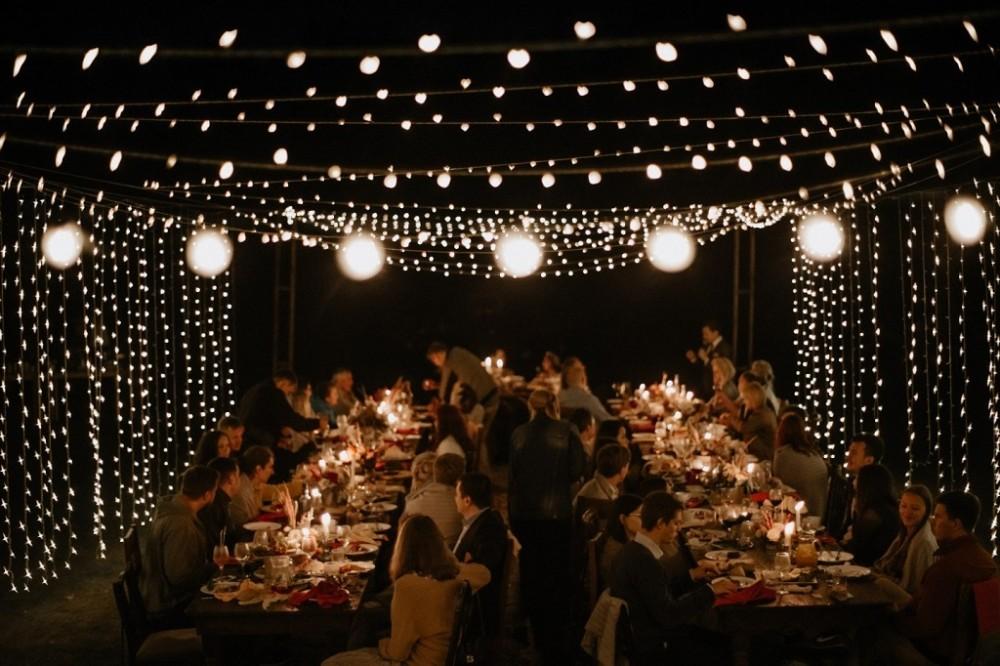 Гірлянди на весілля, весілля в горах, оформлення маленького весілля вдома