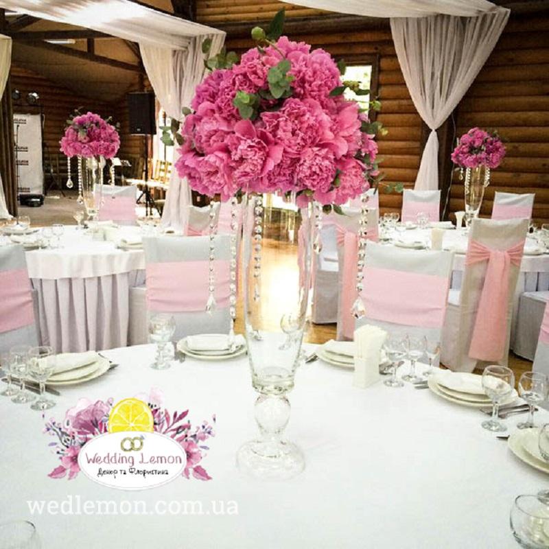 Офоормлення столів вазами