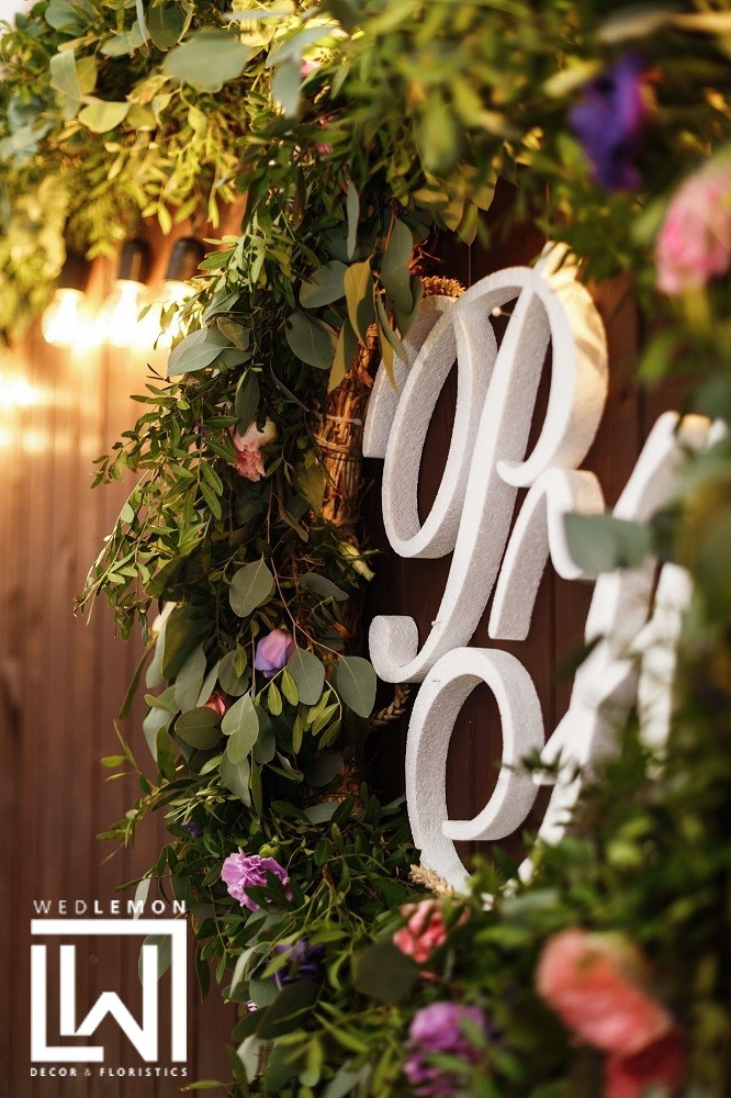 оформлення залу на весілля, лаванда як елемент декору та ідеї декору