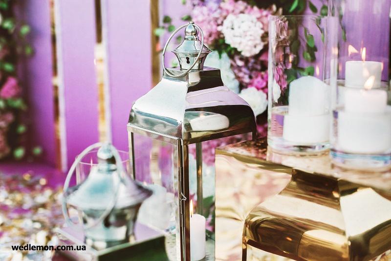 золото та хром у весільному декорі