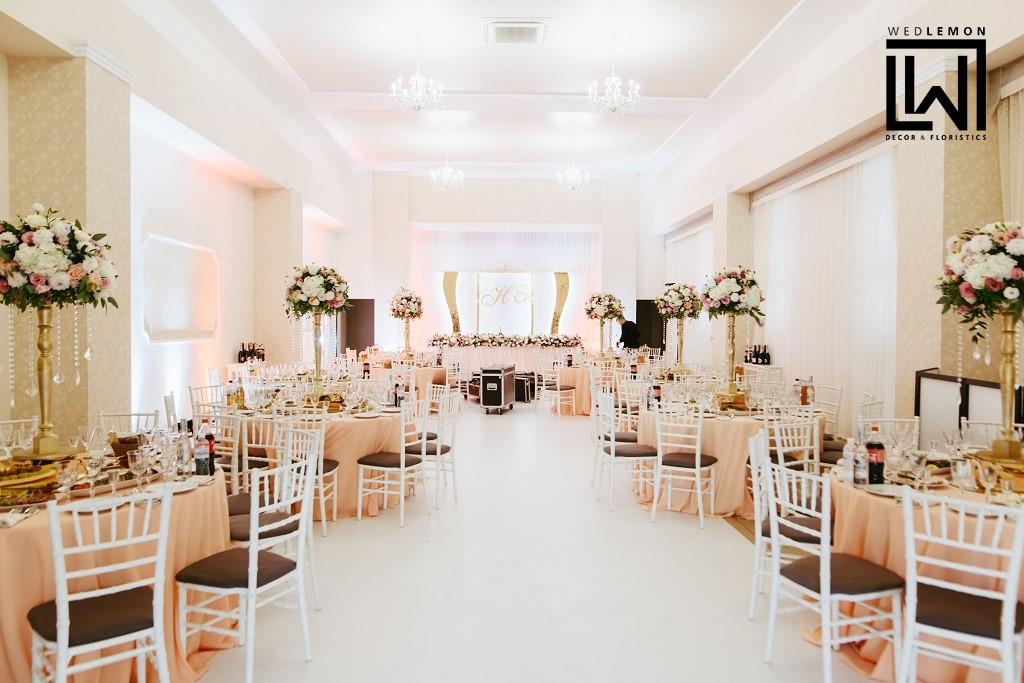 Біла підлога на весілля, глянцева підлога на весілля