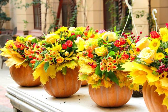 осінні композиції на весілля з гарбуза та листя