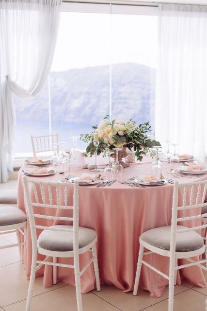 Оформлення столів квітами на весілля