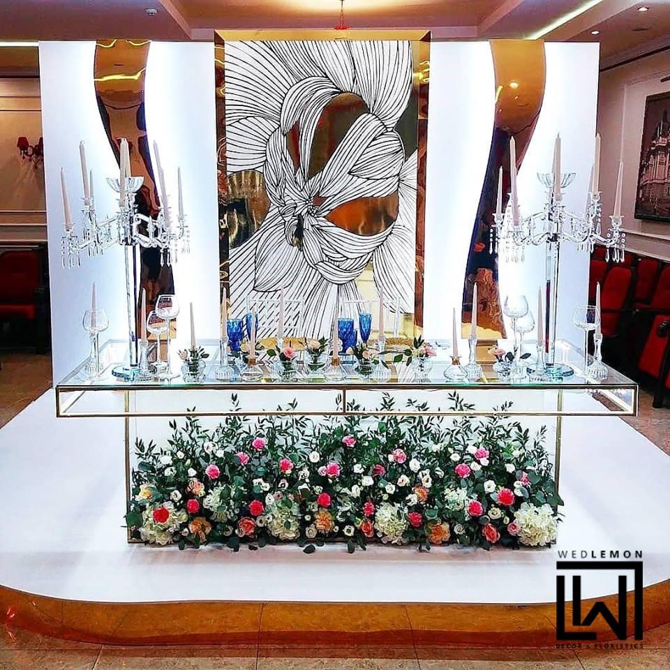 оформлення весільного залу квітами