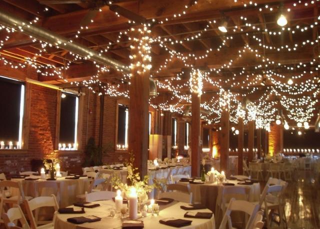 Підсвітка гірляндами весілля