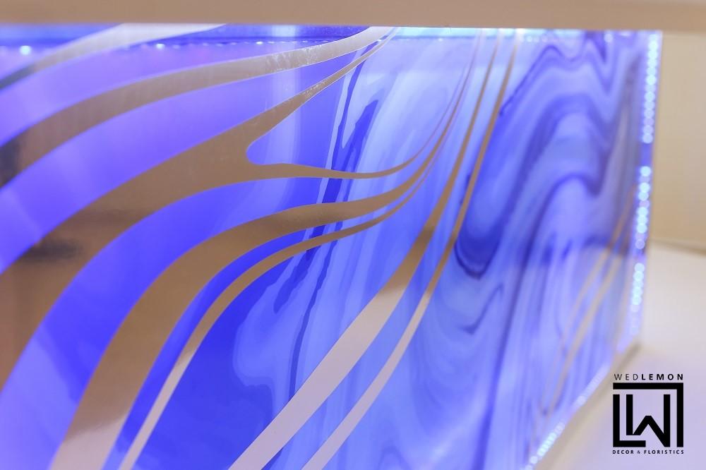 Стіл молодих оформлення Львів. Сині відтінки в оформленні столу молодих