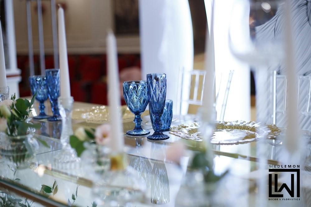 стіл молодят декори