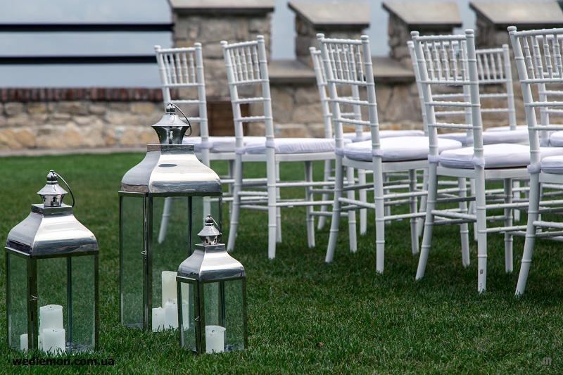 Стільці на весілля