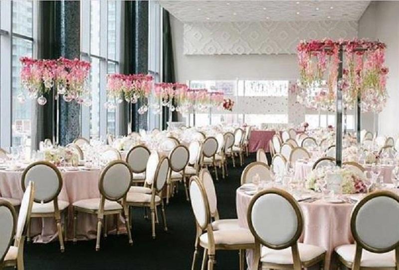 Столи для гостей декор