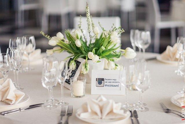 Білі тюльпани у весільній флористиці